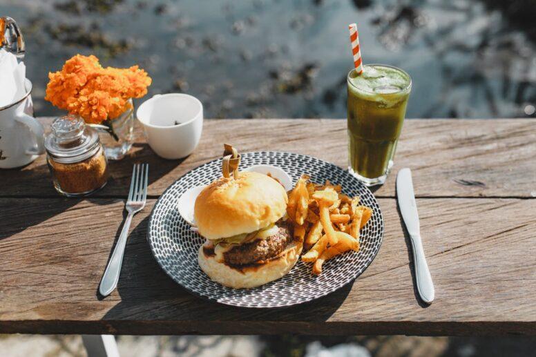 Essen aus der Outdoor Küche